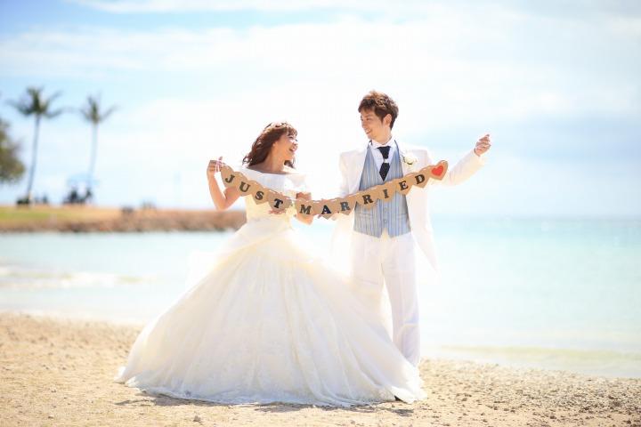 小物と一緒に撮影 ハワイでのフォトウエディングと結婚式